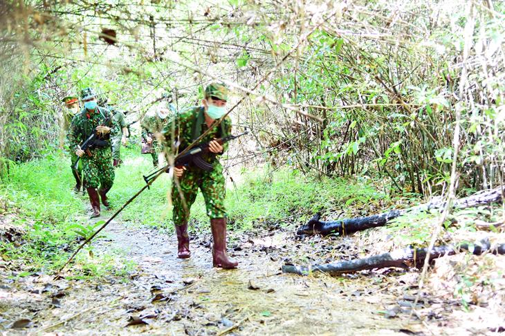 Giữ vững trận địa tư tưởng - chìa khóa để cán bộ, chiến sĩ hoàn thành tốt nhiệm vụ