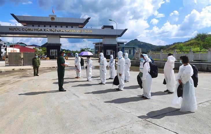 BĐBP Cao Bằng tiếp nhận 128 công dân do Trung Quốc trao trả
