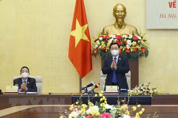 Chủ tịch Quốc hội chủ trì tọa đàm tham vấn chuyên gia về kinh tế-xã hội