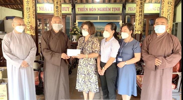 Phật giáo tỉnh Bình Dương ủng hộ chương trình Sóng và máy tính cho em