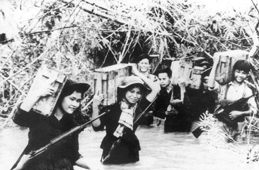 Bác Hồ gửi thư khen lực lượng dân quân du kích