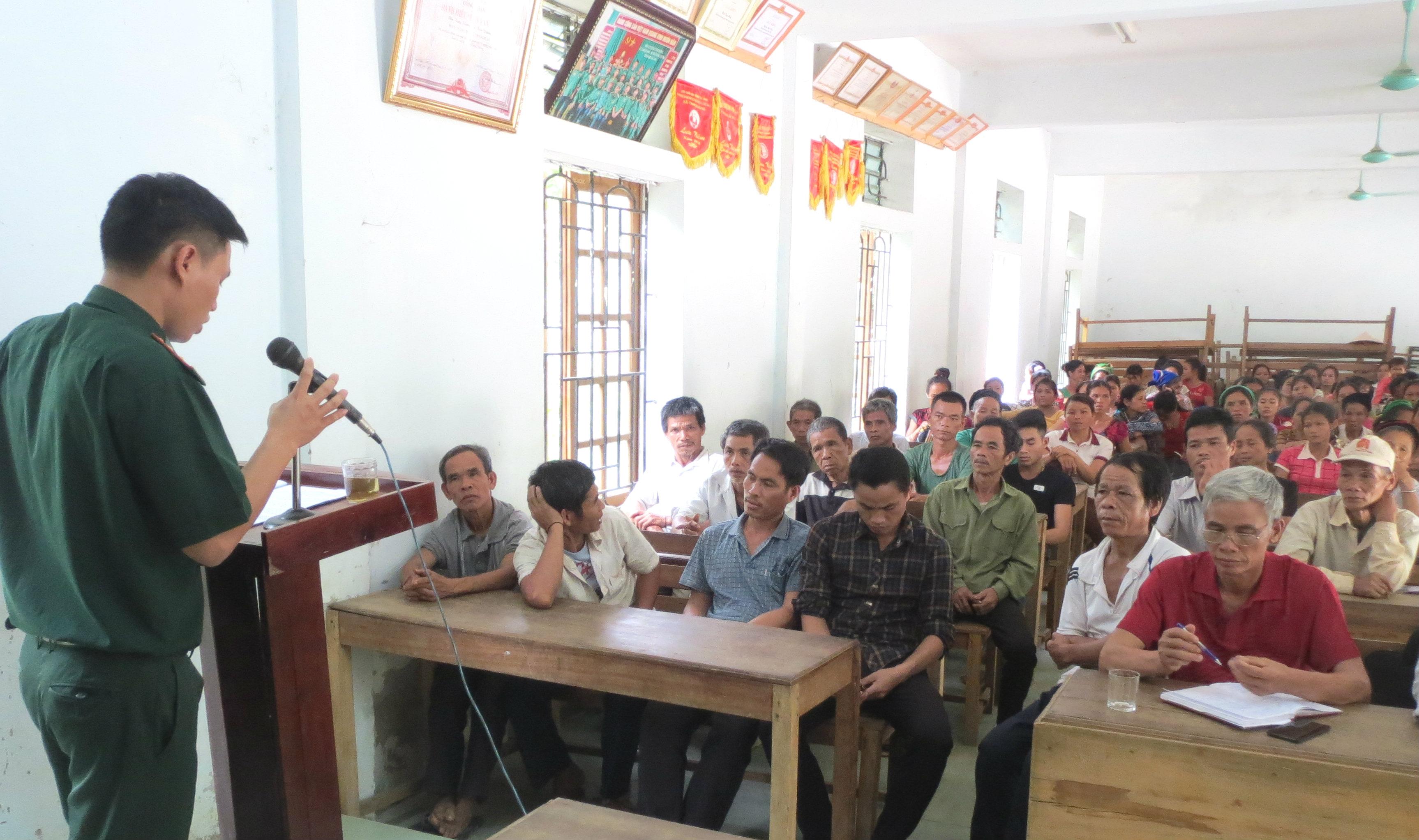 Đồn BP Tam Quang phối hợp phổ biến, giáo dục pháp luật cho đồng bào vùng biên