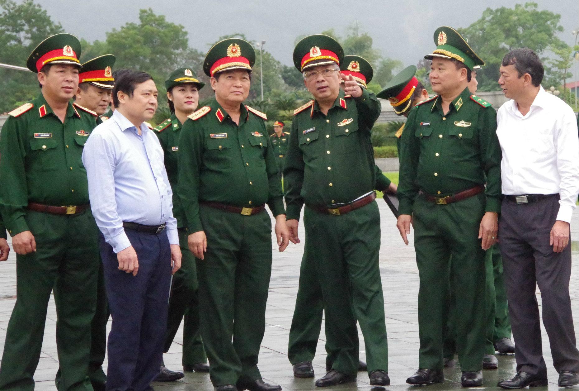 Bộ trưởng Ngô Xuân Lịch biểu dương các lực lượng chuẩn bị chu đáo cho Chương trình giao lưu hữu nghị Quốc phòng biên giới