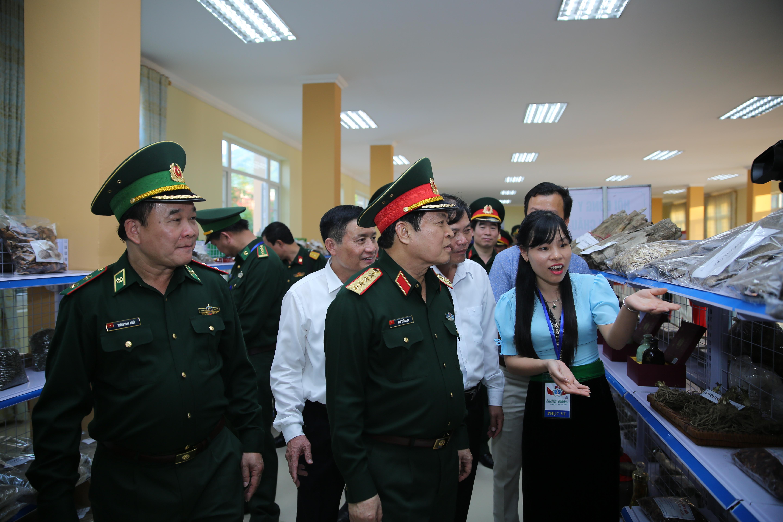 Khánh thành và bàn giao Trung tâm văn hóa, du lịch và giới thiệu sản phẩm Ma Lù Thàng