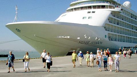 Thủ tục tàu thuyền vào, rời cảng: Chứng từ điện tử có giá trị như chứng từ giấy