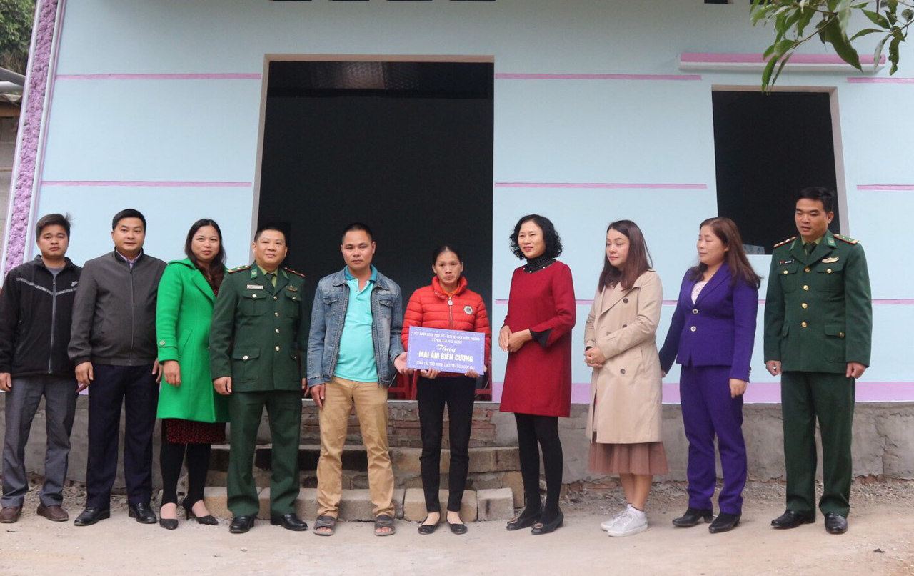 Tiếp sức cho phụ nữ nghèo biên giới phát triển toàn diện