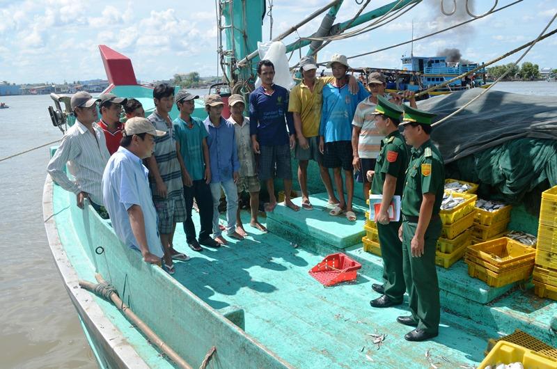 Cà Mau: Phát huy sức mạnh tổng hợp trong tuyên truyền pháp luật cho ngư dân